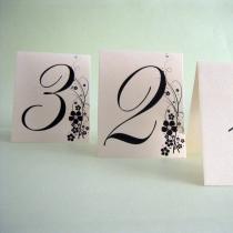 Carduri de masa pentru nunta