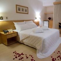 Hotel Destiny - oferta camera pentru miri