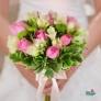 Buchet de mireasa cu trandafiri si frezii