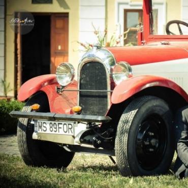 Masina de epoca pentru nunta