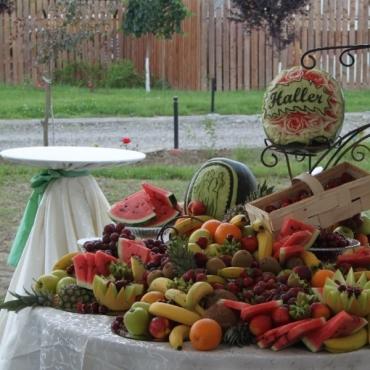 Bufet de fructe pentru nunta
